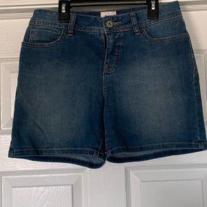 Size 4 st johns bay jean shorts